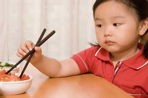 Mẹo trị trẻ biếng ăn