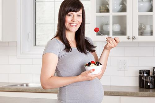 7 loại hạt nhâm nhi ngày Tết cực tốt cho mẹ bầu