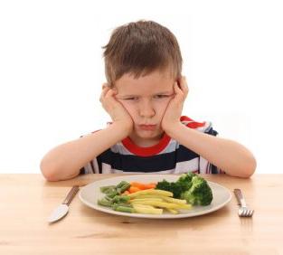 Trẻ biếng ăn do sai lầm của mẹ