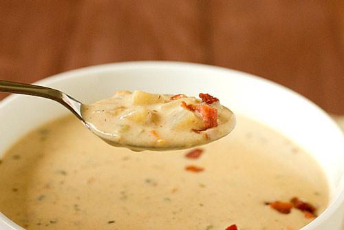 Hướng dẫn nấu súp khoai tây phomai giàu canxi cho bé