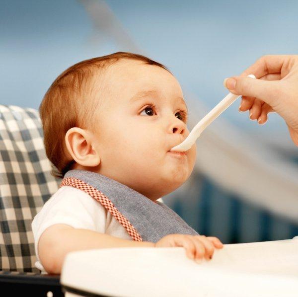 Bác sĩ tư vấn giúp bạn xua tan nỗi lo trẻ biếng ăn